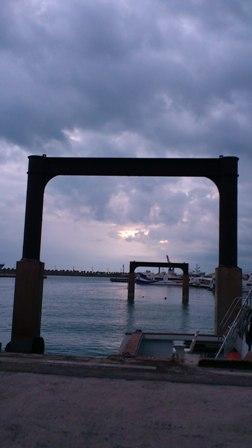 l離島桟橋2.JPG